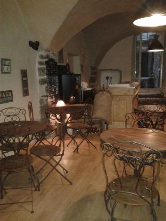 L Art Dit Vin Restaurant  Rue Notarie  Anduze