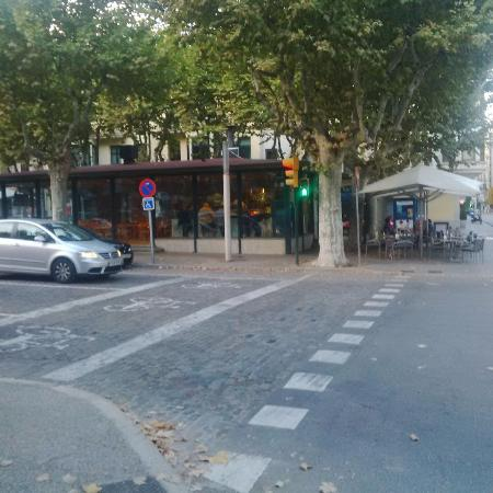 Bar Nuria con su terraza
