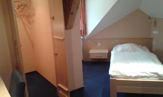 Hotel Reiff: Cozy room.