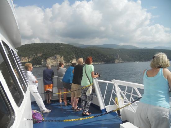 The Petrakis Line : het was aangenaam op zo een mooie dag op zee te vertoeven