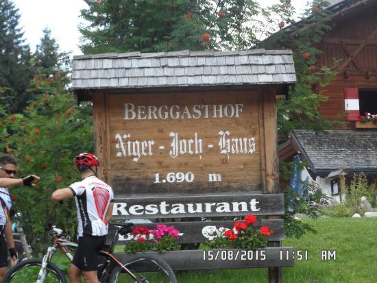 Rifugio Passo Nigra: the information