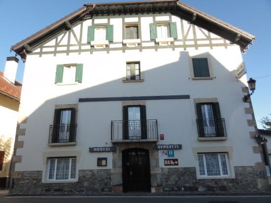 fachada del Hotel Burguete