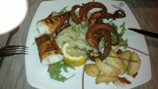 Oasi Azzurra Restaurant: Осьминоги с кальмарами