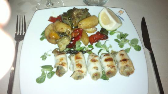 Oasi Azzurra Restaurant: Фаршированные кальмары