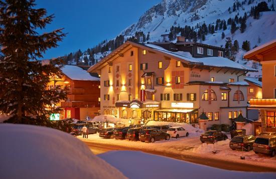 Photo of Hotel Zehnerkar Obertauern