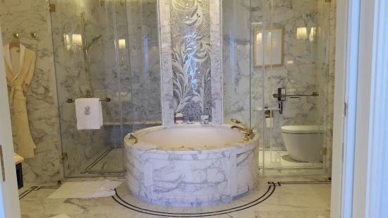 bath tub with jacuzzi picture of the ritz carlton macau macau tripadvisor. Black Bedroom Furniture Sets. Home Design Ideas