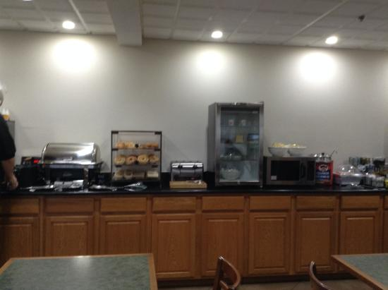Country Inn & Suites by Radisson, Fairborn South, OH: Cafeteria