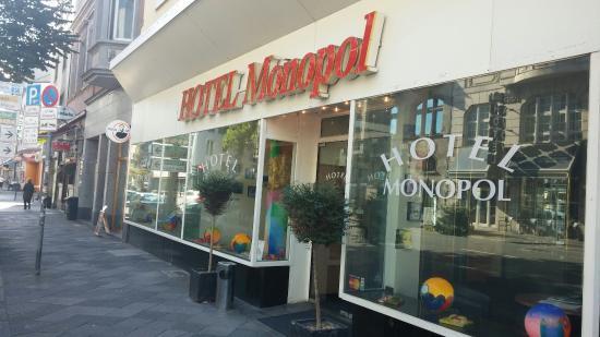 Monopol Hotel : Exterior