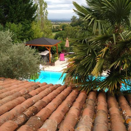 Gratens, ฝรั่งเศส: Vue depuis la chambre Namaste - Hermine Occitane