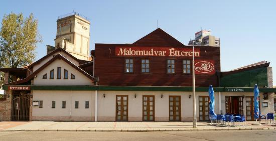 Malomudvar Restaurant Patisserie Pension and Event Venue