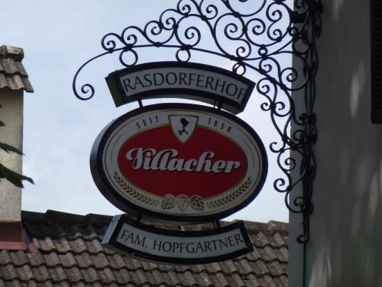 Greifenburg, Österreich: Villacher beer is drafted here