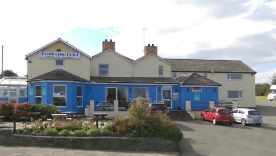 The Boathouse Hotel: Hotel