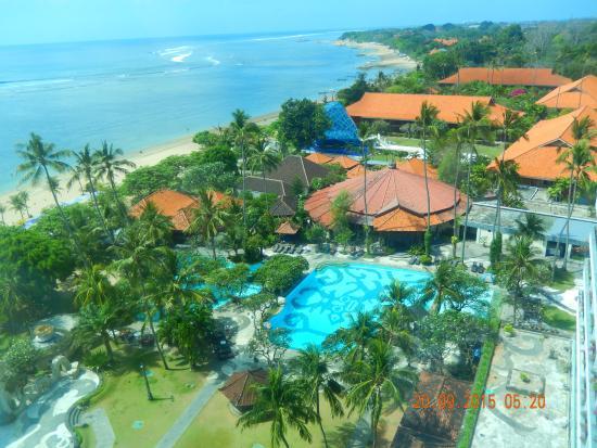 Inna Grand Bali Beach Hotel Вид на территорию отеля с 10 этажа