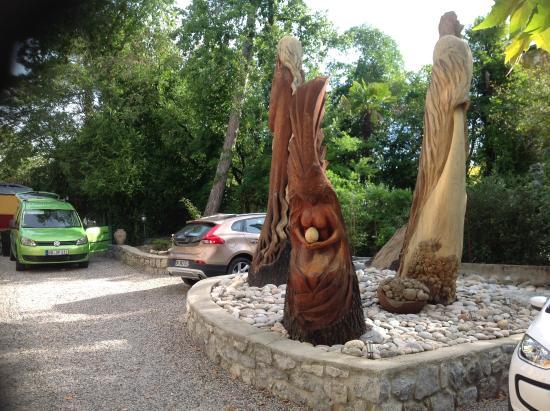 Villa Hugon : Skulpturen im Garten