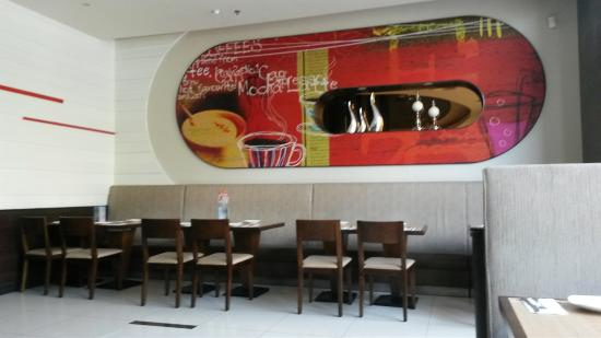 Pizza Hut (HengJi Center)