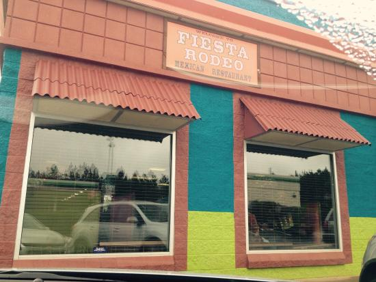 Anderson, SC: $6 fajita lunch includes a drink! Wonderful food and service!