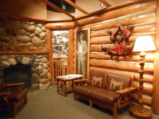Western Heritage Center: ranch house display