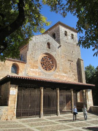 Toreon: fotografía de Colegiata de San Cosme y San Damián, Covarrubias - Trip...