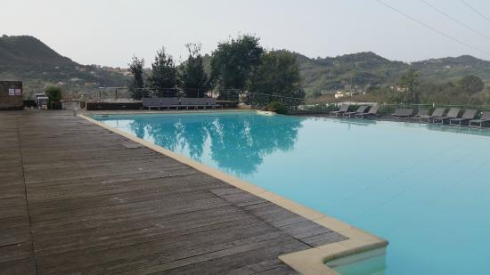 San Mango Piemonte, إيطاليا: la bellissima piscina