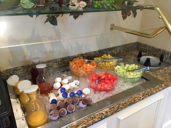 hilton garden inn nashvillevanderbilt breakfast - Hilton Garden Inn Vanderbilt