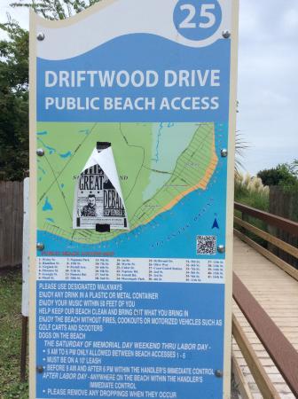 The Sea Gate Inn: Public access tucked alongside resort