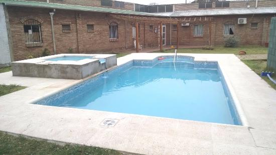 Balde, Argentina: piscina y jacuzzi termal externo