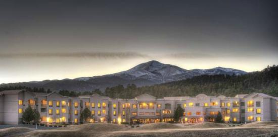 MCM Elegante Lodge & Suites: The Lodge at Sierra Blanca