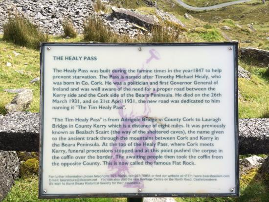Adrigole, Irland: The plaque at the top