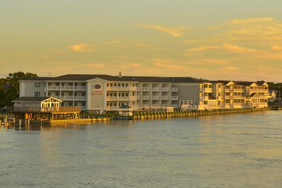 Comfort Suites Chincoteague: Waterfront Hotel
