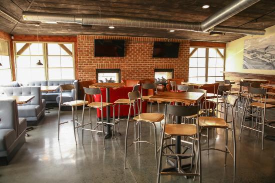 Breakneck Tavern Bar Seating