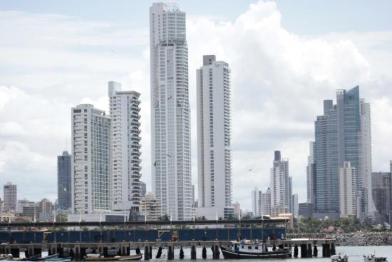Lemon Inn Panama: a lo lejos