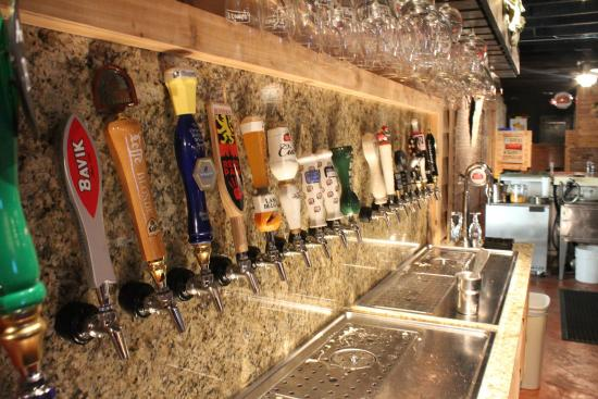 Buster's Bistro Belgian Bar : Beautiful Taps