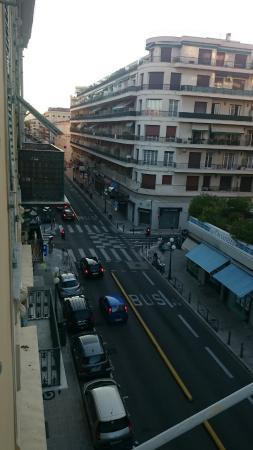 Hotel Wilson: View from the window towards Avenue Jean Medecin