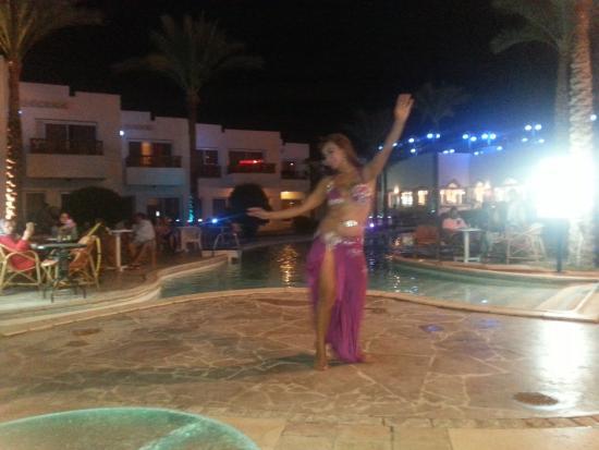 Tropicana New Tiran Hotel : سهرة في اﻻوتيل