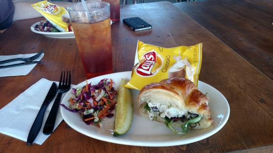 Penrose, Κολοράντο: Chicken Salad Croissant