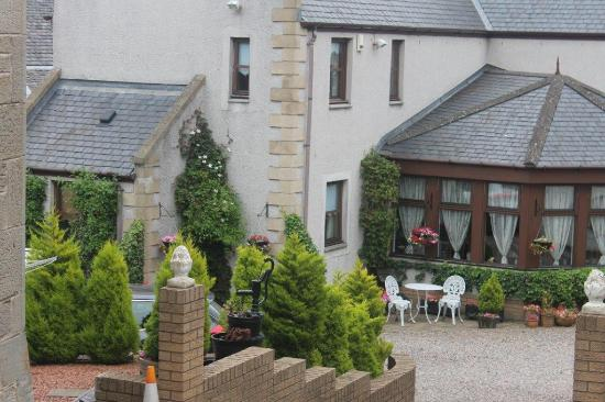 Priory Lodge Guest House: Parking