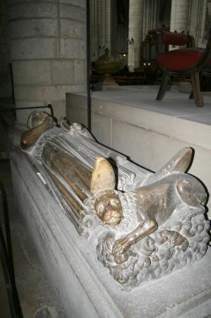 Cathedrale Notre-Dame de Rouen: Wer hier wohl ruht?