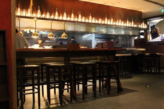 Friday Restaurant (International Building): Bar seating