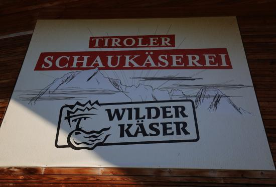 Kirchdorf in Tirol, Österreich: Tiroler Schaukäserei WILDER KÄSER
