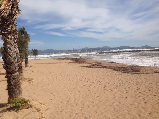 Esclamandes Beach