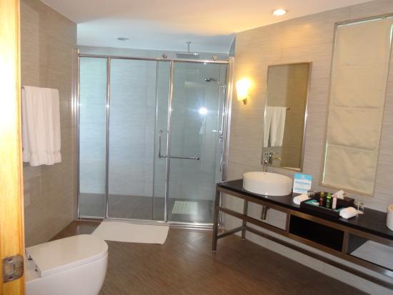 Kuramathi: Bathroom