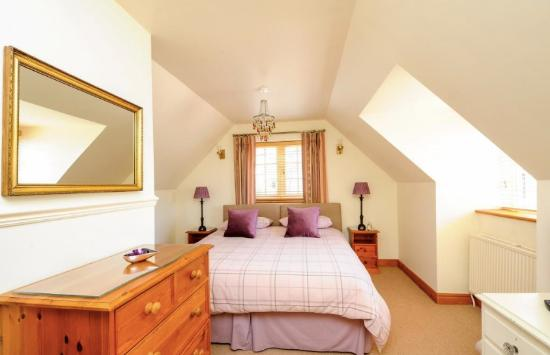 Bladon, UK: Amethyst room