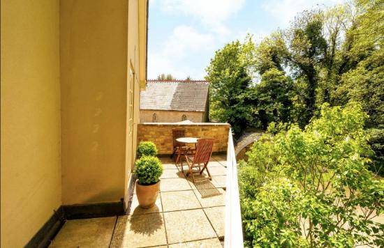 Bladon, UK: Balcony terrace
