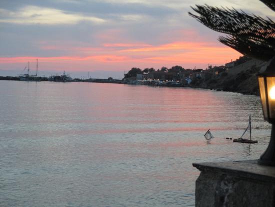 Amfitriti Hotel: Sunset Bar view