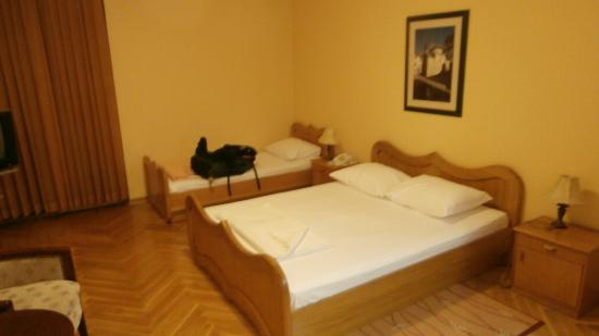 Hotel Marija 2: Hotel Maria 2, Dobrota, Kotor, Montenegro