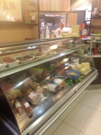bancone - Picture of Pizzeria Nika, Pisa - TripAdvisor