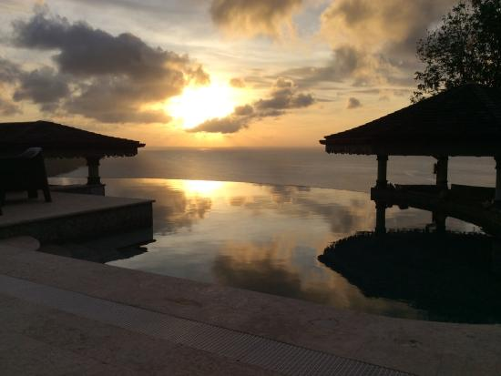 Richmond, Bequia: Every sunset from the pool was incredible