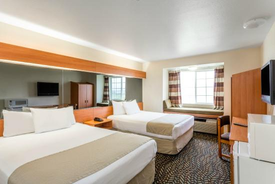 Microtel Inn & Suites by Wyndham Salt Lake City Airport : 2 Queen Beds Non-smoking