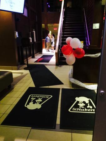 St Hubert Restaurant Rue Sherbrooke Est