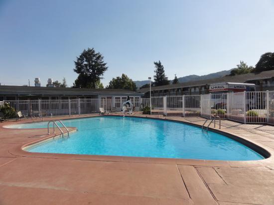 Ukiah, Kalifornia: Pool